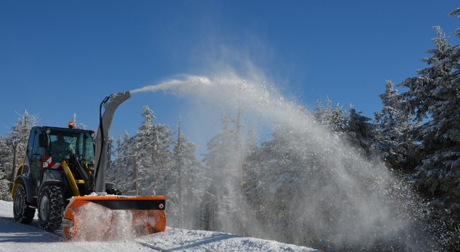 АПИ: Над 1800 снегорина са в готовност за обработване на пътищата  у нас