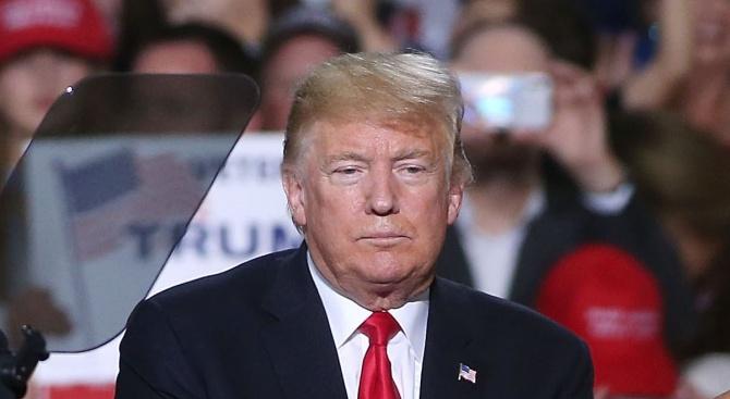 Одобриха доклад от разследването за импийчмънт на Доналд Тръмп