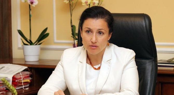 Десислава Танева: Има предвидени над 10 млн. лв. за увеличение на заплатите за служителите на БАБХ