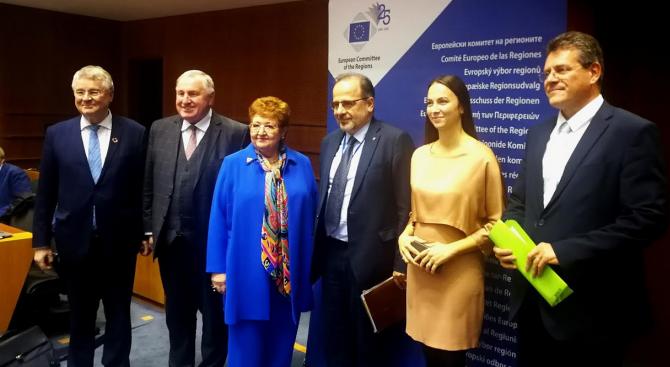 Ева Майдел: Работим с кметовете Европа да стига до всеки и навсякъде