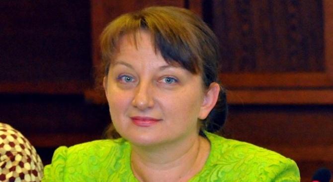Сачева: Социалната политика има за цел да сближава гражданите, а не да ги разделя