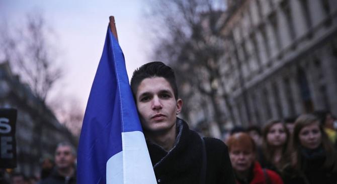 Над 500 000 души участваха в днешните протести срещу пенсионната реформа във Франция