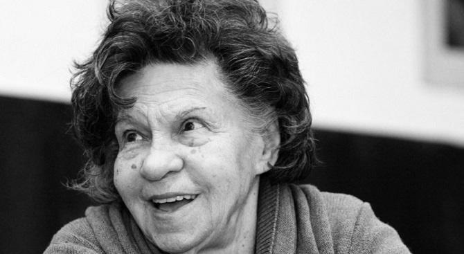 Съюзът на артистите в България: Стоянка Мутафова е вече между звездите!