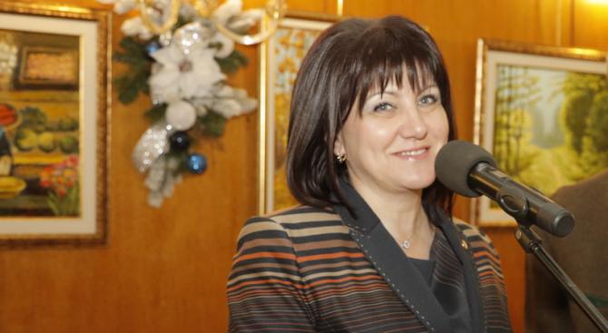 """Караянчева ще присъства на церемонията по връчване на наградите """"Лекар на годината – София"""""""