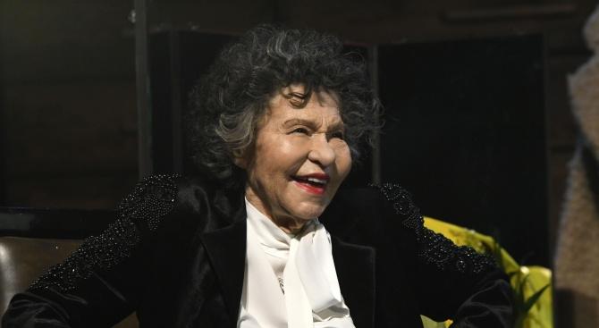 Кметът на Ловеч за Стоянка Мутафова: Тя завинаги ще остане в сърцата на всички