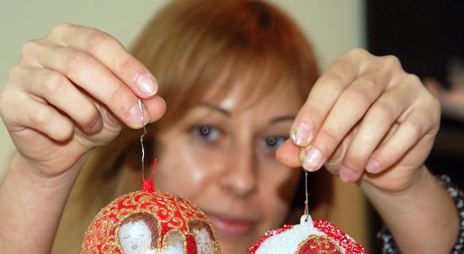 Работилница на Дядо Коледа отвори врати в Градската художествена галерия в Благоевград