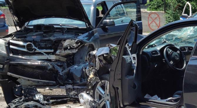 Челна катастрофа на пътя с. Люляково - с. Съединение: Има пострадали