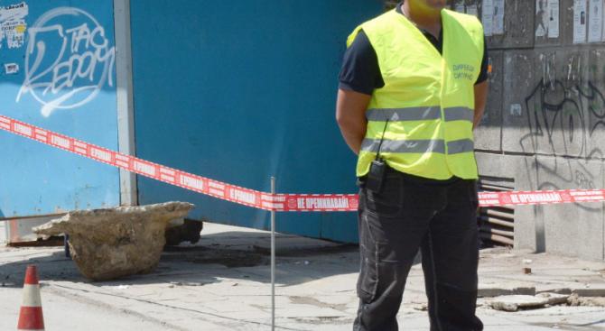 24-годишен преби и ограби жена на спирка в Каменар