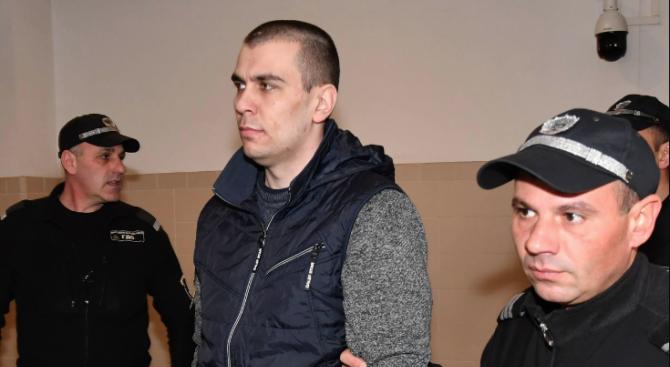 Викториосе закани на родителите на убитата Дарина в съда:Идвам