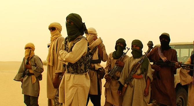 Джихадисти убиха над 70 войници при атака срещу казарма в Нигер