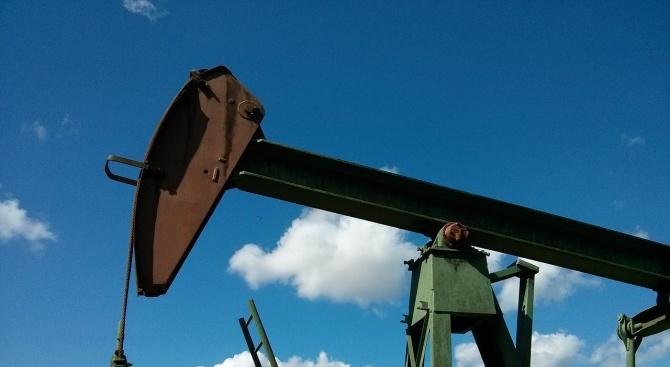 Петролът достигна рекордни цени за последните три месеца
