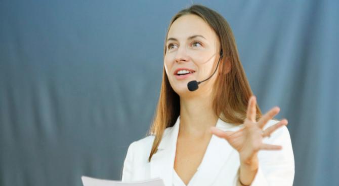 Ева Майдел: Регулирането на новите технологии трябва да насърчава малките и средни предприятия