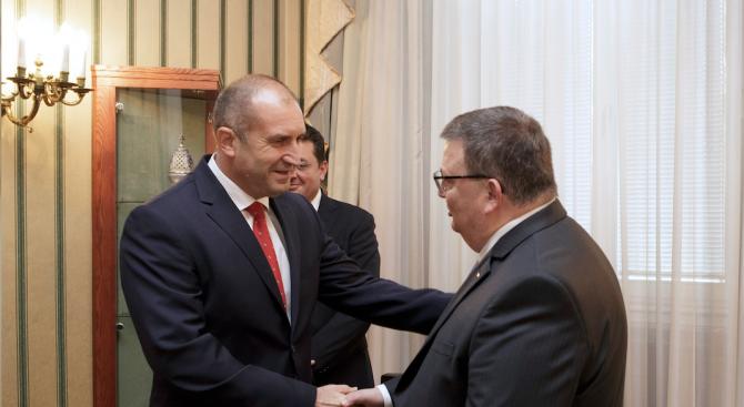 Румен Радев освободи Сотир Цацаров като главен прокурор