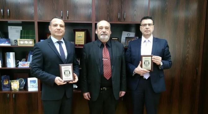 Трима прокурори получиха награди от Цацаров