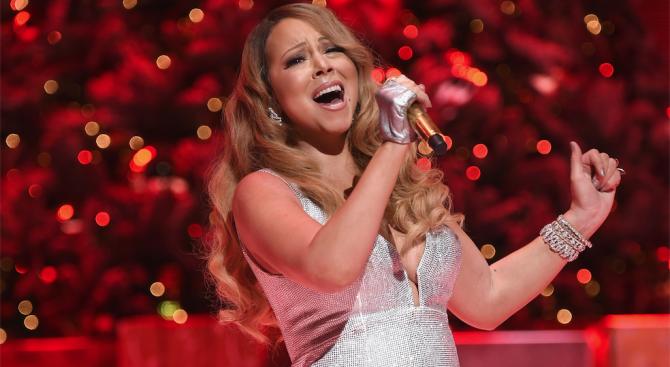 """""""All I Want For Christmas Is You"""" оглави за първи път класацията на """"Билборд"""" за сингли"""