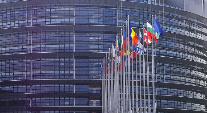 Питат ЕК как ще бъдат прекратени злоупотребите с еврофондове