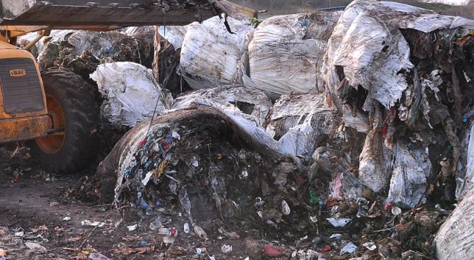 МОСВ: Площадката за преработване на отпадъци в с. Яворец няма да разширява дейността си