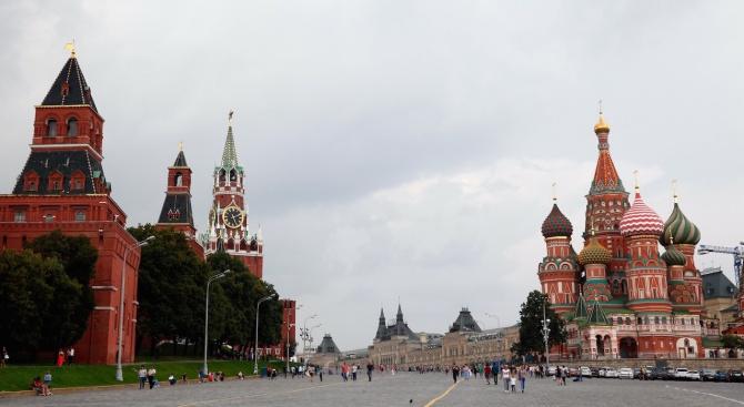 Рязко расте броят на руснаците с положително отношение към ЕС и САЩ