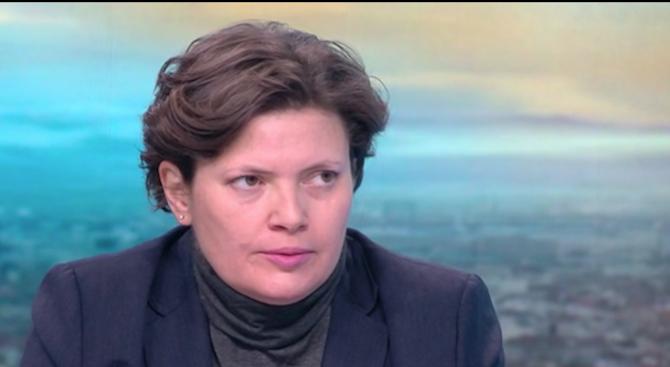 Малина Крумова: Трябва да вкараме в училищата експерти по пътна безопасност