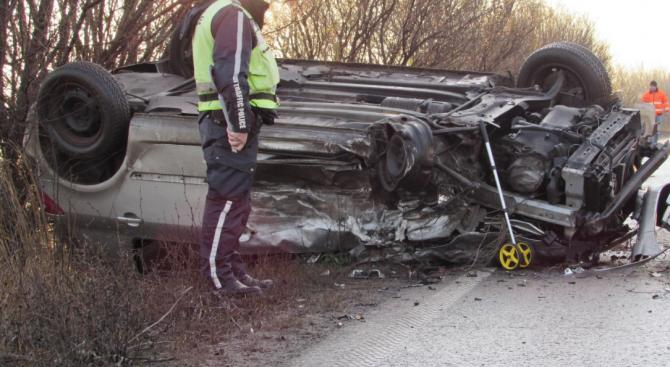 Двама загинаха на пътя за последните 24 часа