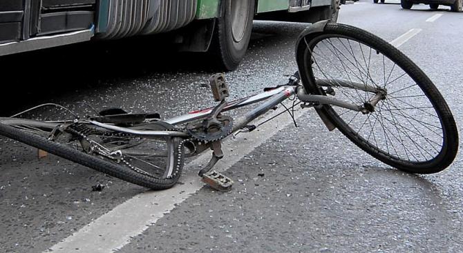 Цистерна помете велосипедист край Русе, той почина