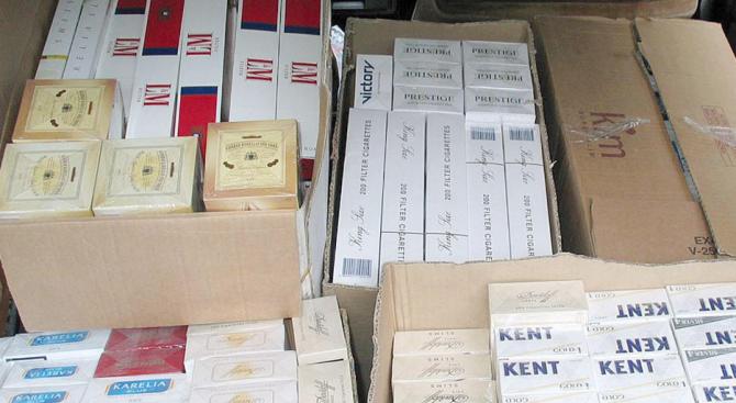 """Митничари спипаха над 9 750 000 къса цигари при проверки на МП """"Капитан Андреево"""""""