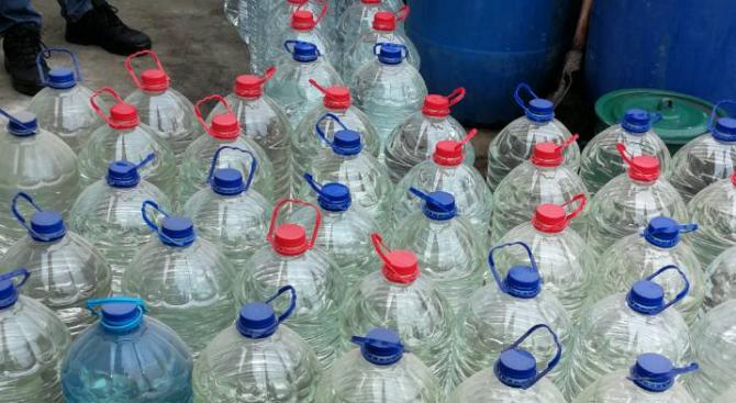 Иззеха около 200 литра нелегален алкохол в Кърджали