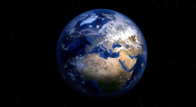 Специалисти регистрираха рекордно бързо изместване на полюсите на Земята