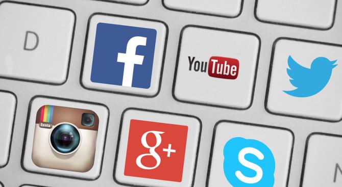 Великобритания ще контролира Google и Facebook