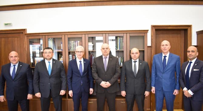 Шефът на Интерпол похвали новия главен прокурор Гешев