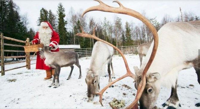 Дядо Коледа  се подготвя да тръгва към децата