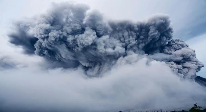 Броят на жертвите на изригването на вулкана в Нова Зеландия нарасна на 19