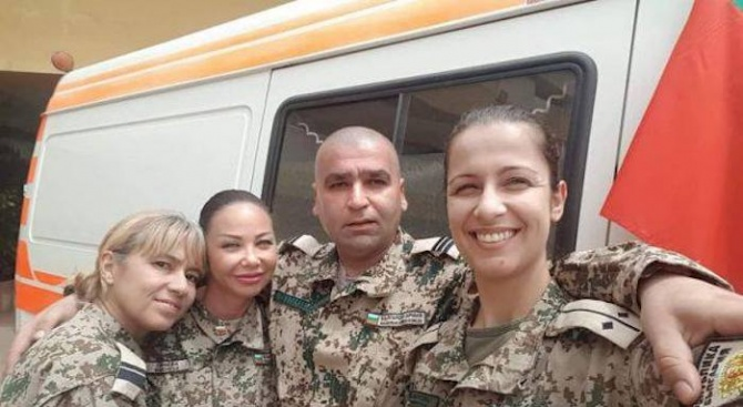 """Мисия """"Военен лекар"""": Да усетиш България и дома си, дори и на 8000 км от тях"""