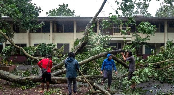 За Коледа: Евакуация във Филипините заради тайфун