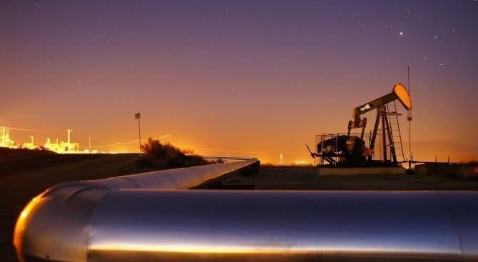 Страните от ОПЕК+ свиват допълнително петролния си добив