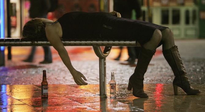 Новогодишните махмурлуци причиняват 5-милиардна щета на британската икономика
