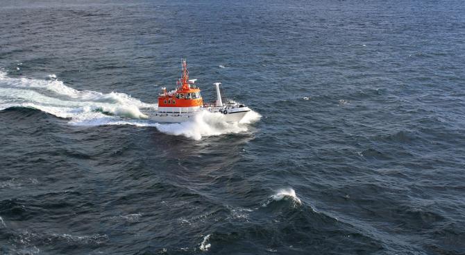 Прекратиха спасителната операция по издирването на двамата български моряци в Норвежко море