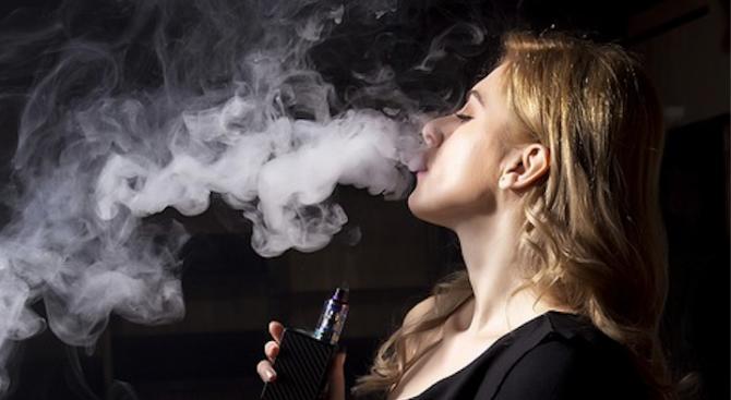Пълна забрана за ароматизираните електронни цигари в САЩ