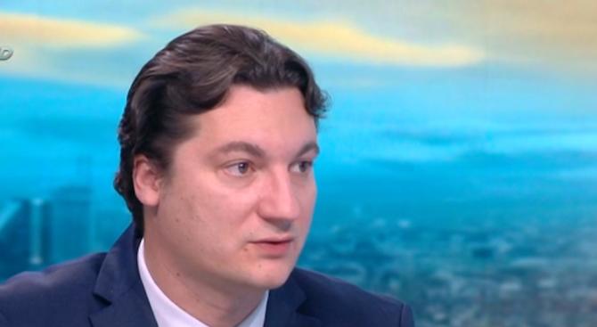 Крум Зарков: Поговорката вода гази, жаден ходи е правителствена политика