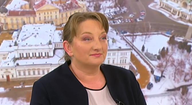Деница Сачева: Непрекъснато увеличение на минималната пенсия би било несправедливо