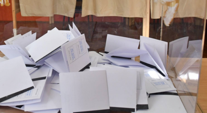 Близо 600 участници в местните избори подадоха отчетите си в Сметната палата