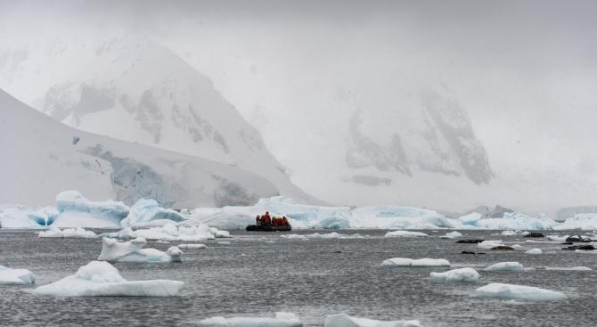 Последната група антарктици заминава за о-в Ливингстън