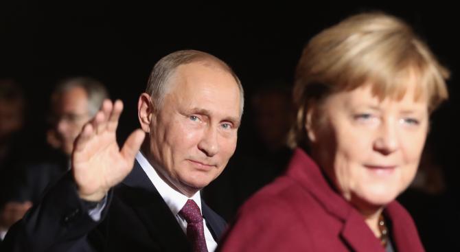 Меркел ще се срещне с Путин на 11 януари