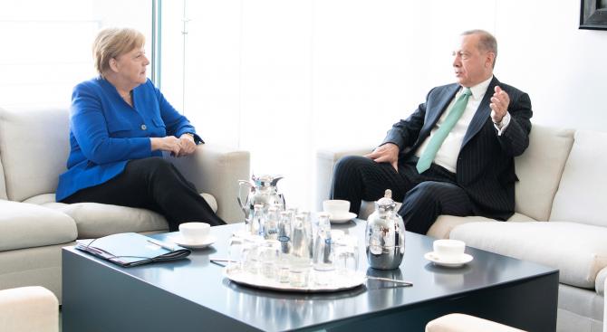 Ердоган и Меркел обсъдиха обстановката в Сирия и Либия