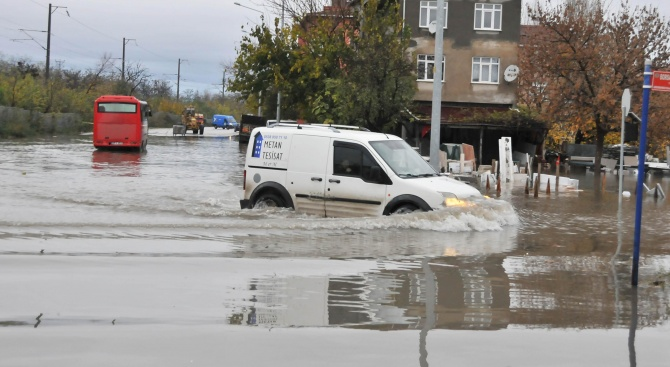 Наводненията в Южна Турция взеха жертви