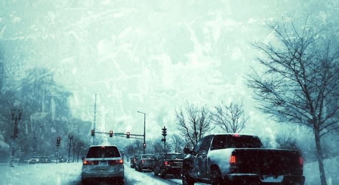 Хаос в Турция заради обилния снеговалеж