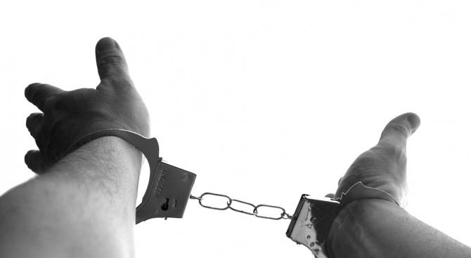 Хванаха мъж, откраднал пари от жилище в търновско село