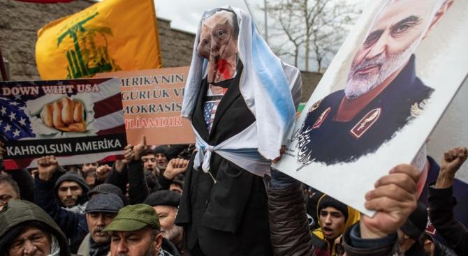 Шиитски милиции заплашиха САЩ заради Солеймани с отговор като на Техеран