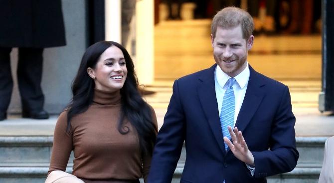 Принц Хари и съпругата му Меган ще ограничат контактите си с медиите