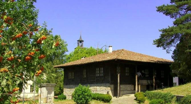 Увеличил се е броят на туристите в Елена през 2019 г.
